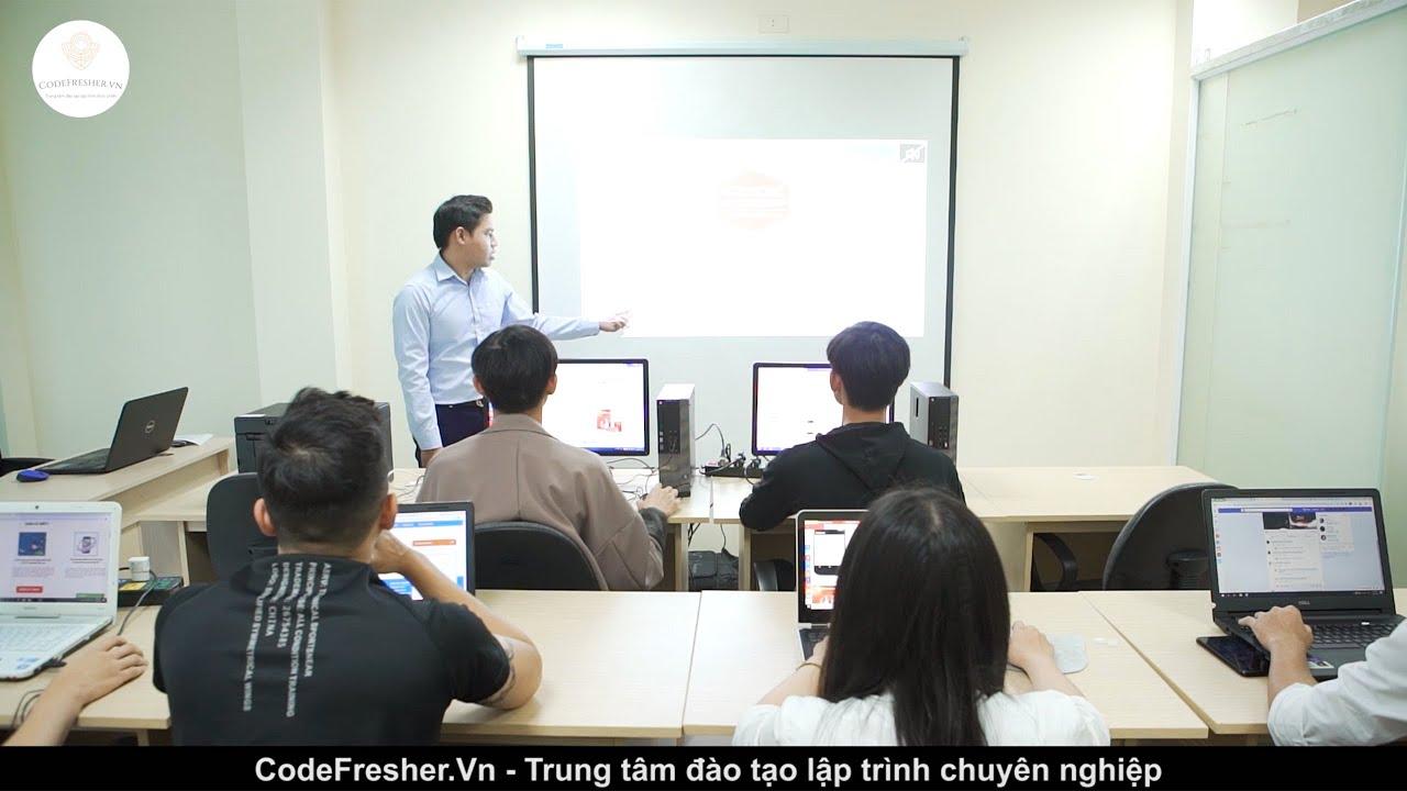 Khóa học lập trình Python tai Codefresher
